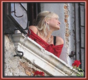 castle-window-square-300-rgb